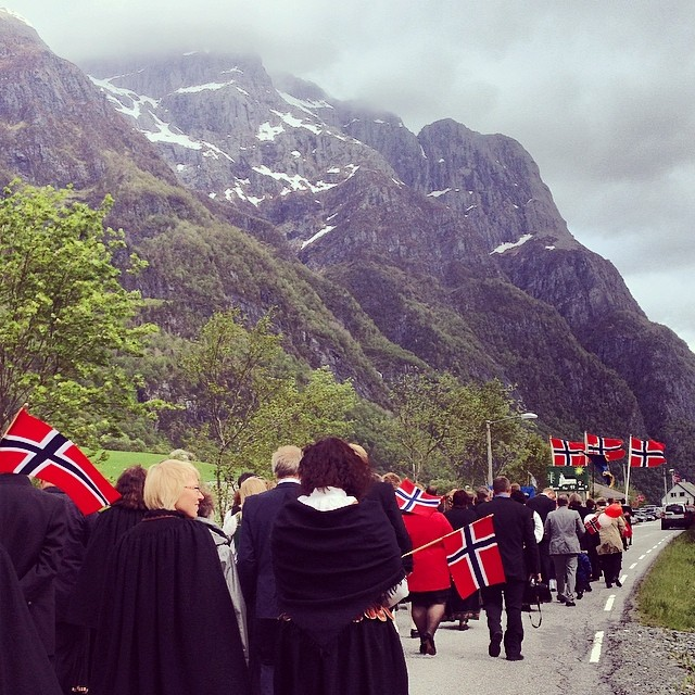 Grunnlovsfeiring i Hyen 2014. Foto: Annette Langedal Holme